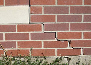 a foundation wall crack on a Woodstwon home.